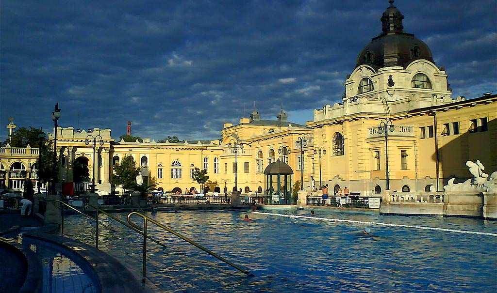 Budapest Sz 233 Chenyi Bath Sz 233 Chenyi F 252 Rdő Swimming 250 Sz 225 S
