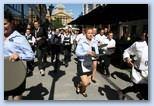 pincérek futnak Budapesten Le Meridien pincér futóverseny